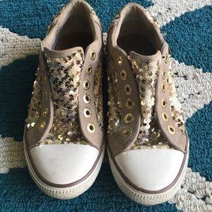 Aldo. Gold Sequin Shoes. Size 7.5.